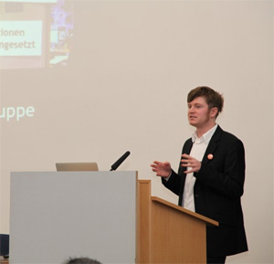 Jan Uhlenbrok beim Vortragen